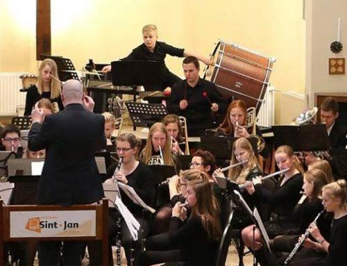 Harmonie Sint-Jan blaast voor Stichting Bowie