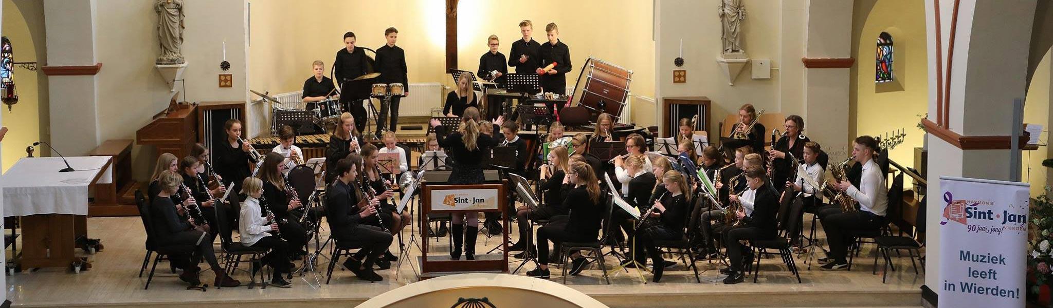 Harmonie Sint-Jan zamelt in voor Reddingshonden Overijssel