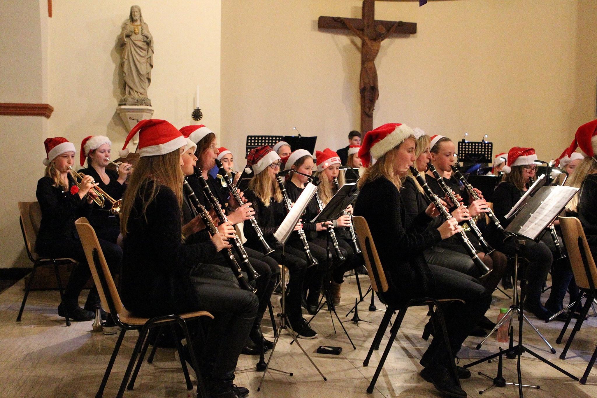 Kerstconcert Harmonie Sint Jan en popkoor Wiezz